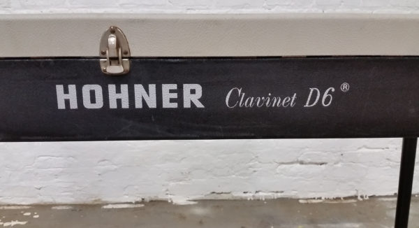 Hohner Clavinet D6 Logo and Latch