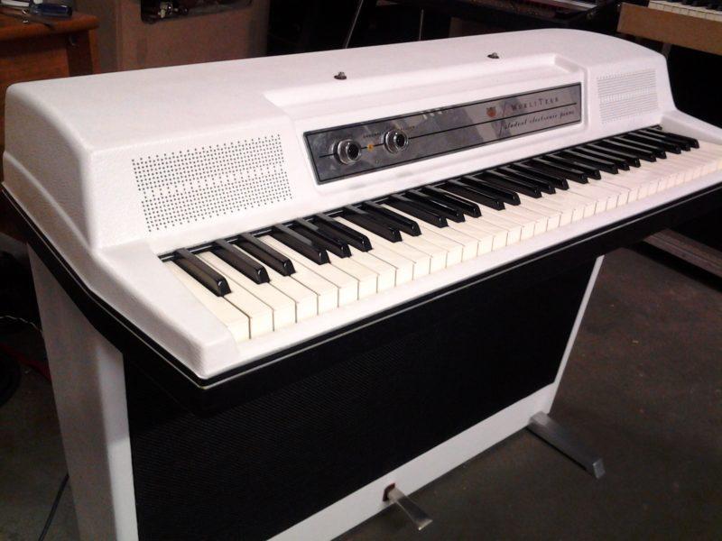 WILCO-White-Wurli-206